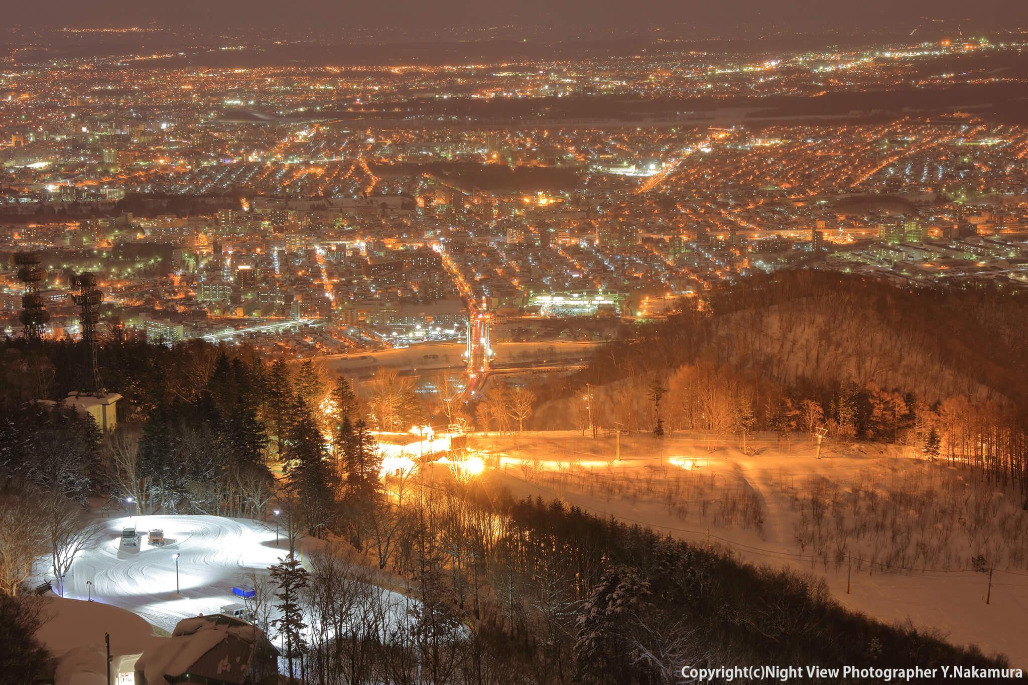 Photo of 北海道最大級の夜景を見るなら!「藻岩山展望台」