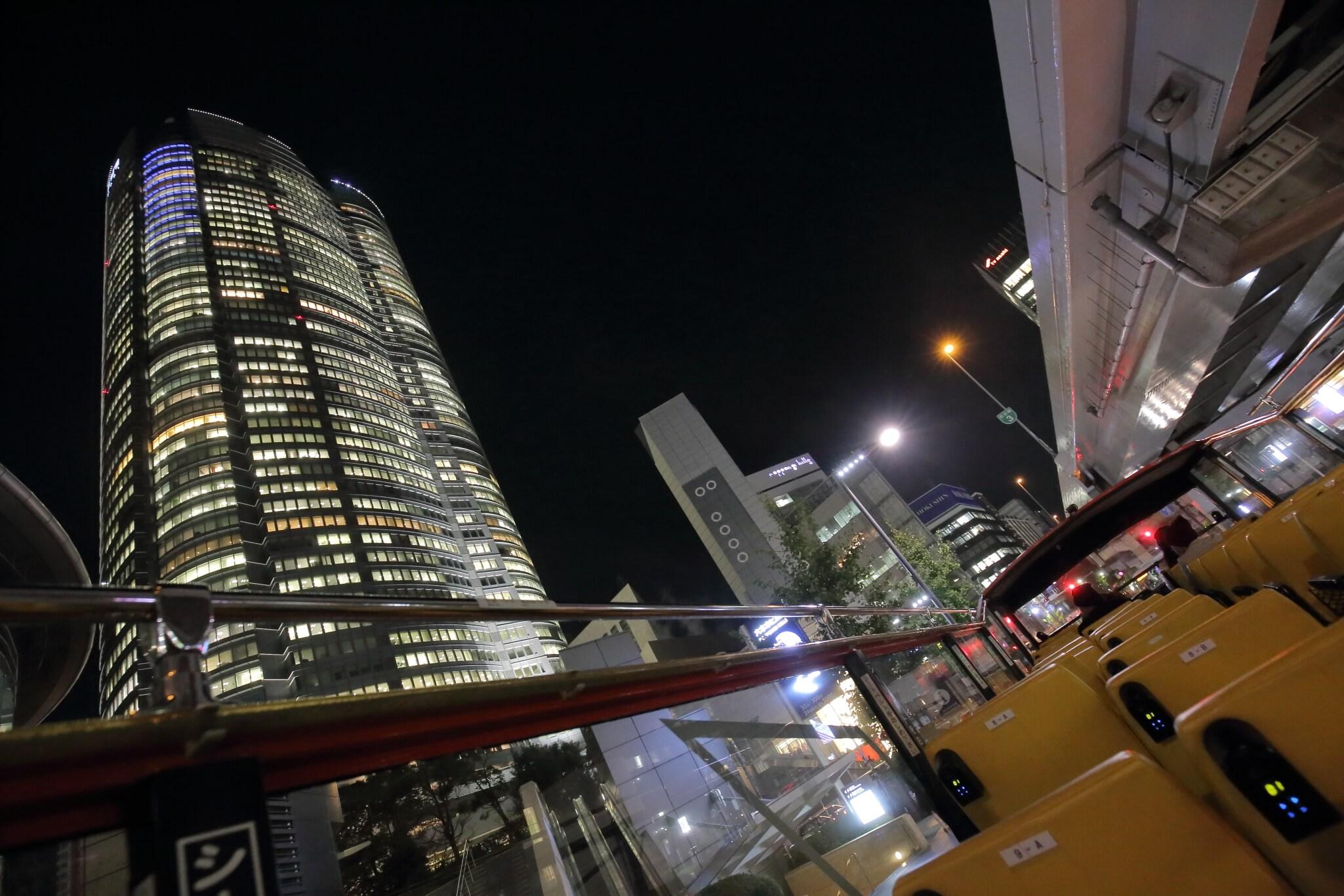 Photo of 風に吹かれながら東京の名所を巡れる!「スカイホップバス」