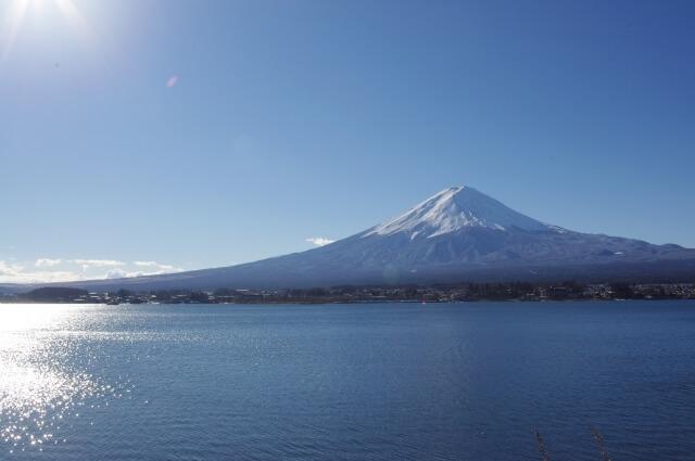 Photo of 【トラベックスツアーズ×LOCOBEE】バスツアーで行けるおすすめスポット紹介 美しいシルエットは日本の象徴!パワースポットとして名高い「富士山」五合目へ